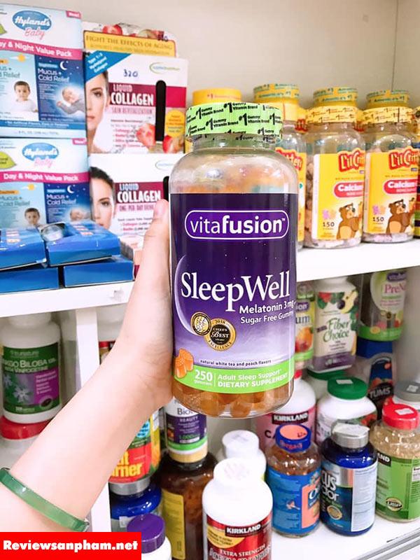 Kẹo dẻo ngủ ngon Vitafusion Sleepwell Melatonin 3mg của Mỹ giá bao nhiêu?