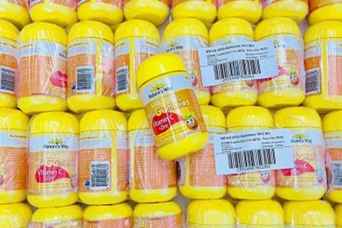 Kẹo dẻo Nature's Way Vitamin C + Zinc 60v giá bao nhiêu?-1